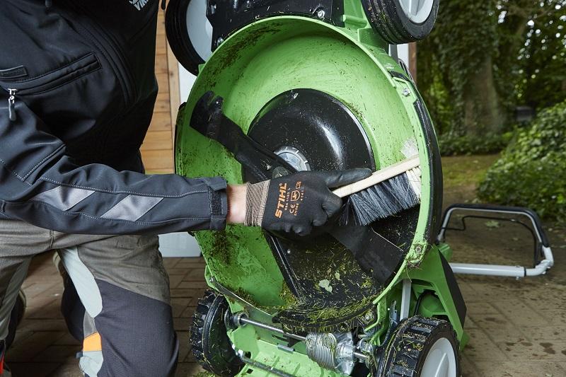 Berühmt Rasenmäher-Inspektion: Reinigung, Wartung, Reparatur · - Jetzt &EC_75
